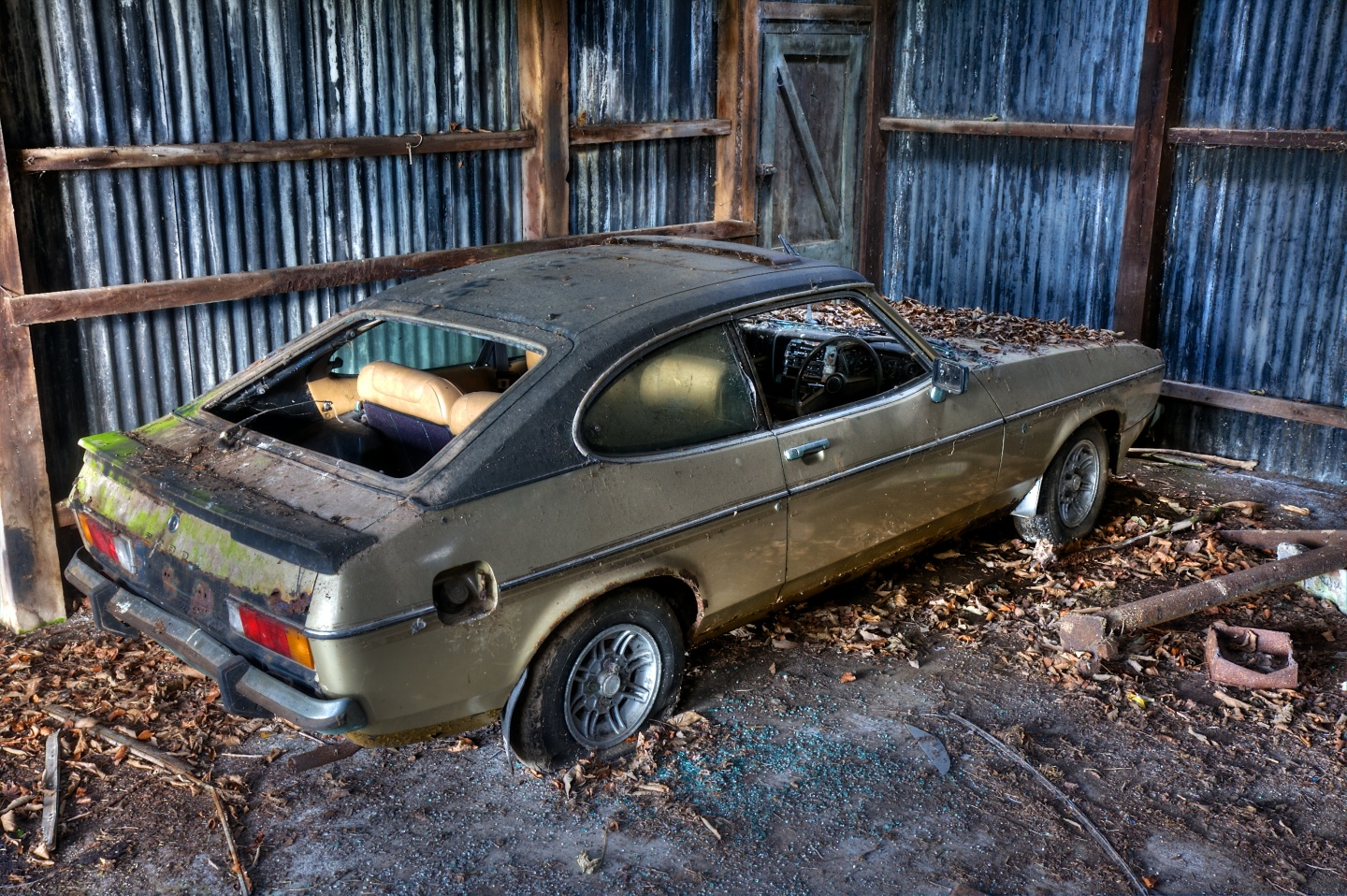 Ford Capri in decay
