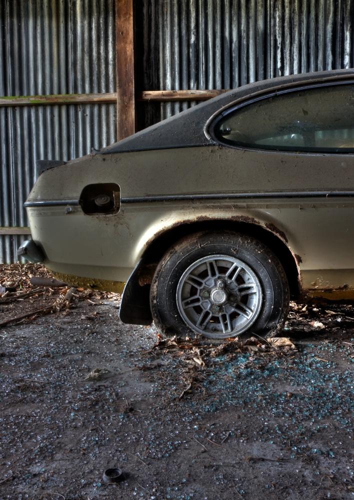 Ford Capri in decay (2/6)