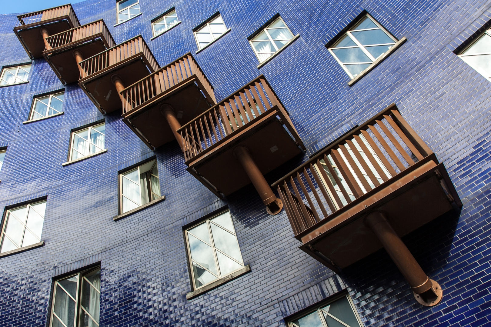 Balconies near The Circle, Bermondsey, London. Canon 40D + 17-55mm f2.8 IS